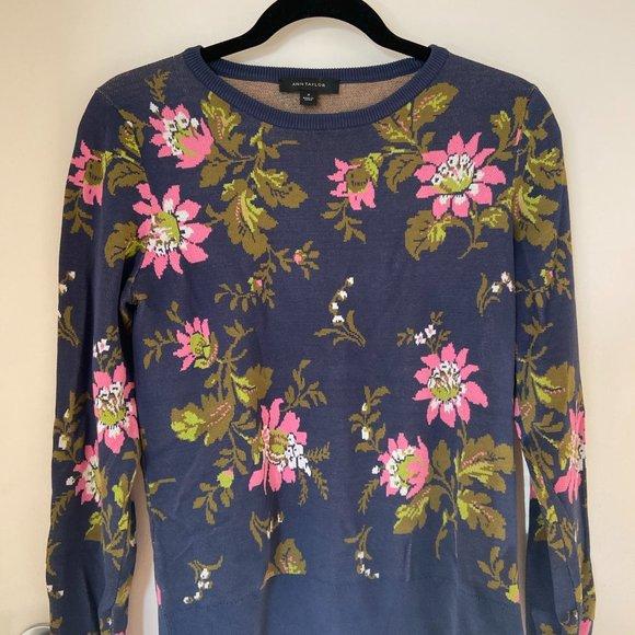 Ann Taylor Crewneck Floral Sweater in Medium
